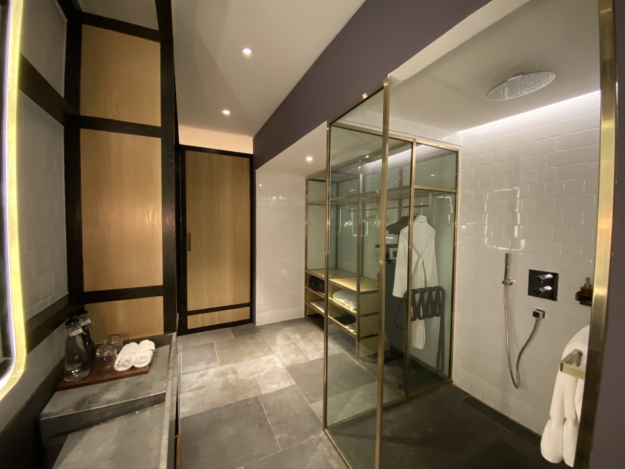 Hyatt Alila Bangasar bathroom suite