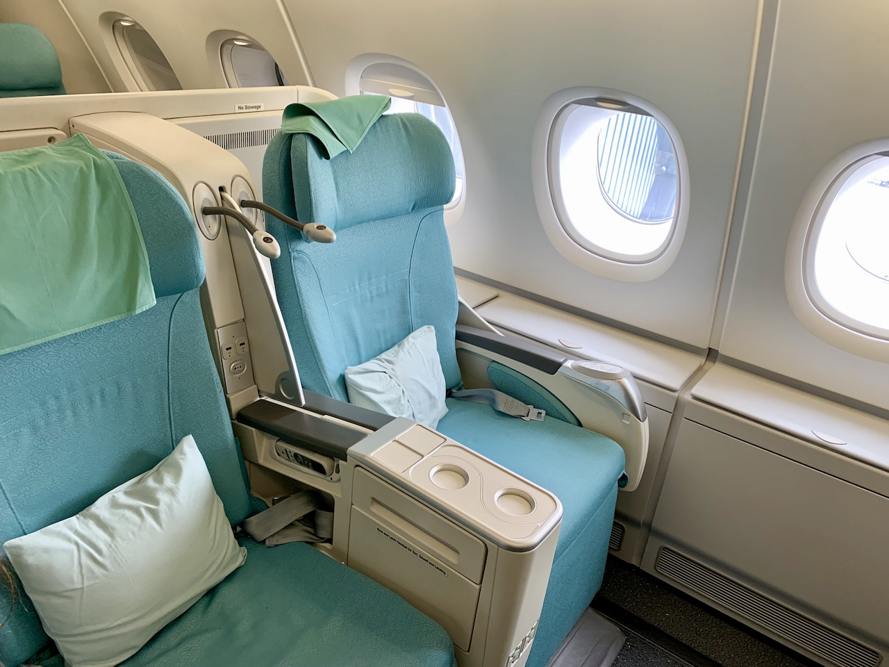 Travel during COVID-19 in Korean Airlines lie flat business class