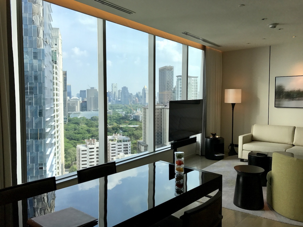 Travel Bangkok Thailand for the Luxury hotel experience